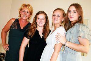 Margit Sterk met haar 3 dochters
